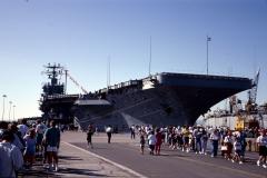 1992 Flugzeugträger USS Abraham Lincoln (CVN-72)  in Oakland, San Francisco (Columbus Day)