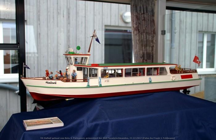 Kursschiff MS Hallwil - Modell im Massstab 1:25 von Reto S. Fornasieri